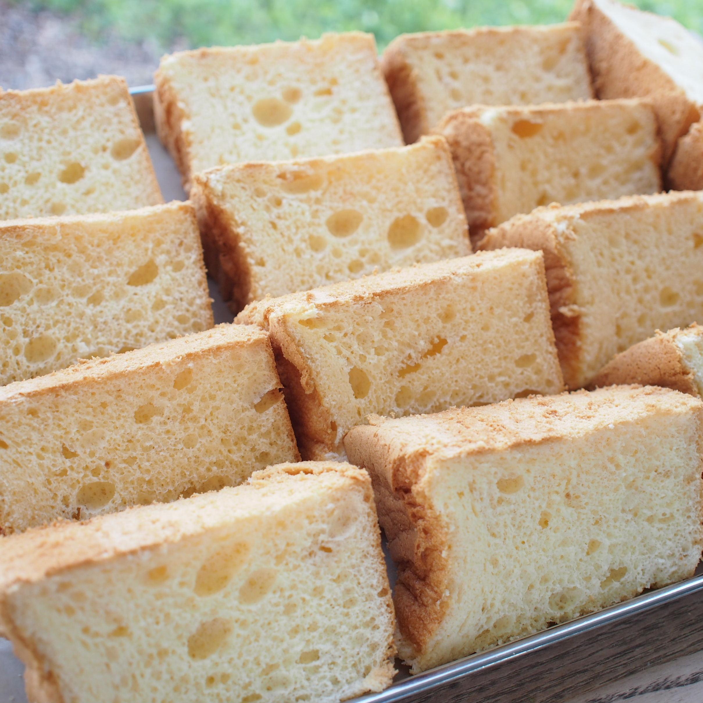 新鮮卵と牛乳のシフォン-それは黄金色に輝く奇跡のシフォンケーキ-