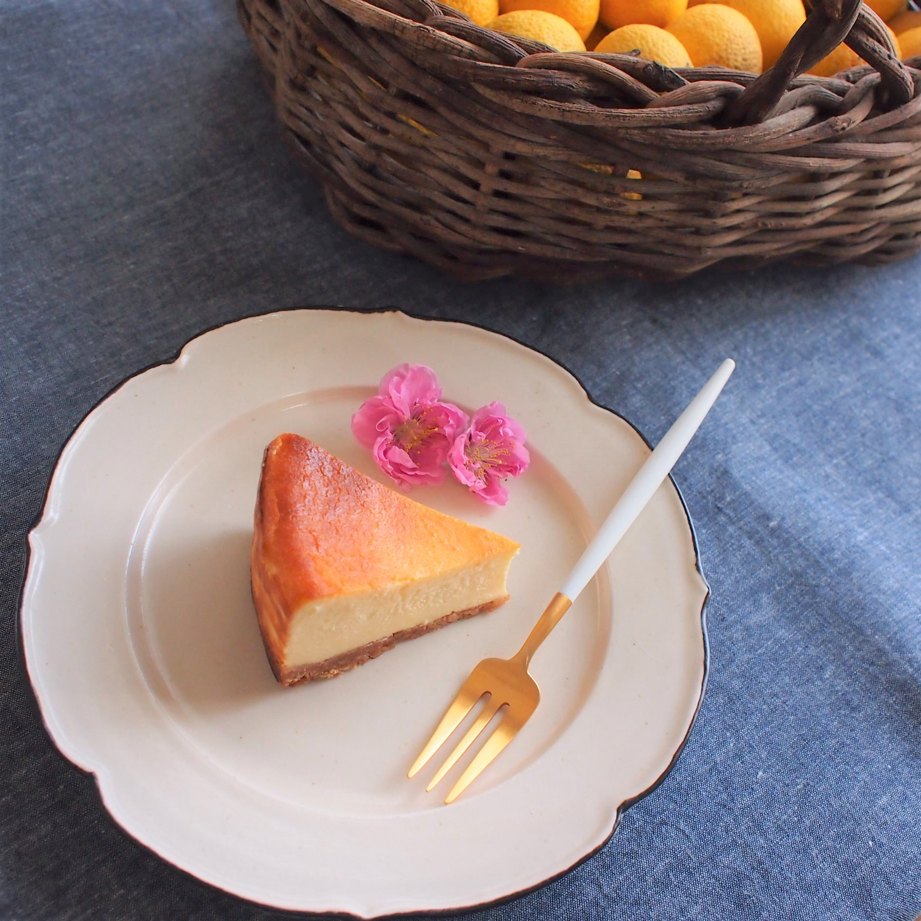 小夏のチーズケーキやじゃばらとレモンのシフォンもおススメです。